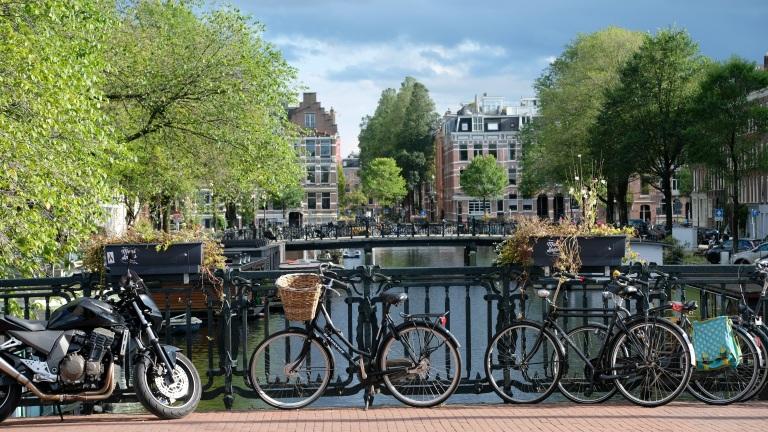 amsterdam-2799491